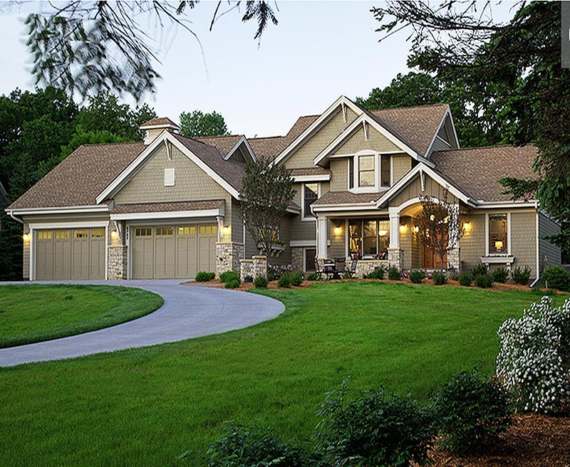 Country craftsman styled custom home with 4516 square feet for Southern craftsman home plans
